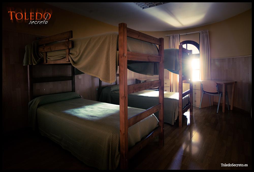 Interior de la habitación T4 del Castillo de San Servando en Toledo