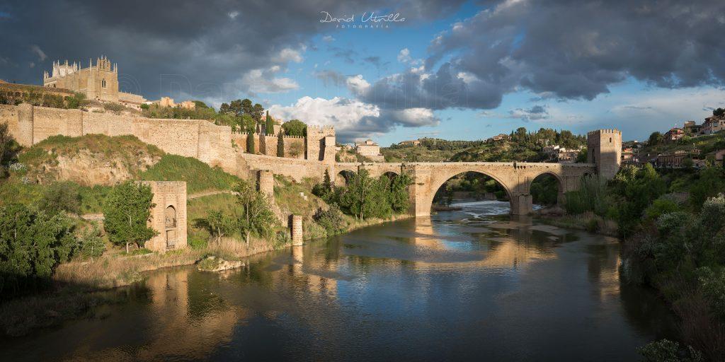 El puente de San Martín bañado por el sol, por David Utrilla.