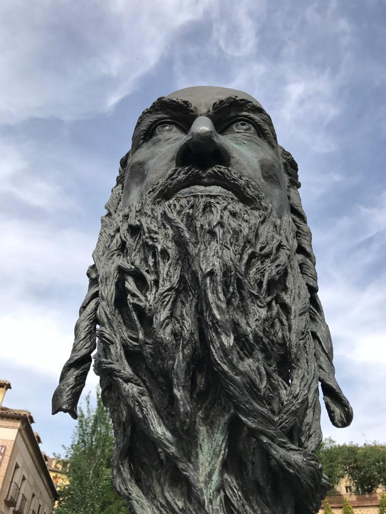 Estatua dedicada a Samuel ha Leví, tesorero de Pedro I en Toledo.
