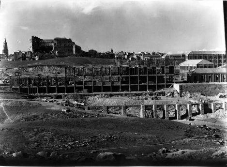 Obras de Construcción de la Academia de Infantería de Toledo [ALBUM-3-834]