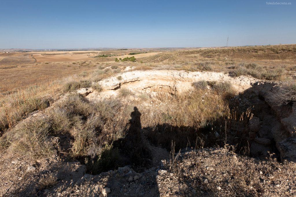 Uno de los hundimientos de las Cuevas de Higares