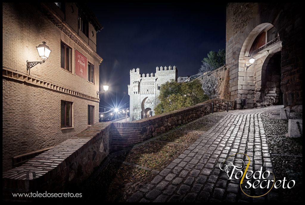 Puerta del Sol Puerta  y Puerta de Valmardón  en Toledo. Una de las mejores fotografías del Toledo Secreto.