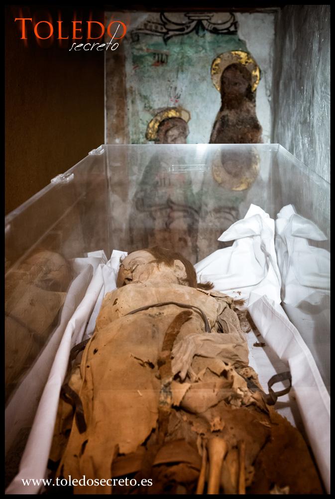 Momia del niño Sanchito en Toledo