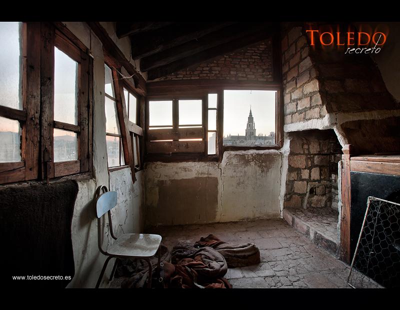 Un mirador desde una vieja casa toledana. Una de las mejores fotografías del Toledo Secreto.